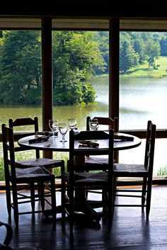 Peaks of Otter Lodge Restaurant with seating overlooking Abbott Lake.
