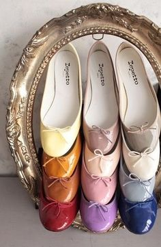 thepreppyyogini:  One ballet flat in every color