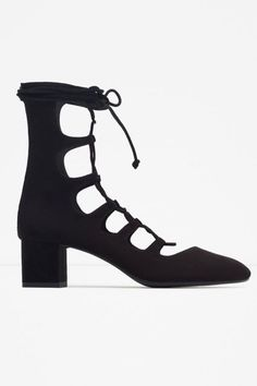 A ladylike lace-up. #refinery29 http://www.refinery29.com/2015/08/92741/zara-2015-fall-shoes#slide-1