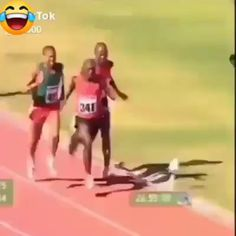 Who should get the first prize. Funny Videos For Kids, Funny Short Videos, Funny Video Memes, Life Memes, Dankest Memes, Jokes, Funny Laugh, Hilarious, Travel Workout