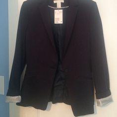 NWT Navy blue H&M blazer. Brand new! Never been worn. Size 6 H&M Jackets & Coats Blazers