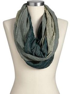 Women's Houndstooth-Edge Infinity Scarves | Old Navy $14.94