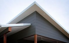 Manufacturer of fibre cement building products including James Hardie and Scyon external cladding, interior lining, flooring and eaves products for the Australian residential and commercial market. House Cladding, Timber Cladding, Exterior Cladding, Wall Cladding, Facade House, Cladding Ideas, Exterior Paint, Brisbane Architecture, Contemporary Architecture