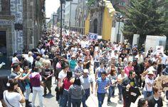 Manifestación afecta vialidad del centro en el DF - http://notimundo.com.mx/manifestacion-afecta-vialidad-del-centro-en-el-df/