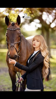 Lisa with horse Lisa Blackpink Wallpaper, Cute Girl Wallpaper, I Love Girls, Cute Girls, Kingdom Hearts Funny, Jennie Kim Blackpink, Uzzlang Girl, Korean Bands, Blackpink Photos