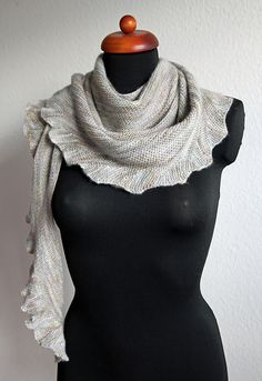 Ravelry: Project Gallery for Lintilla pattern by Martina Behm