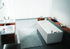 Calos badekar i akryl. Leveres som vanlig badekar eller hydro plus. Front og endepanel , badekararmatur bestilles i tillegg. Monteringsveiledning Novellini priskatalog Bathtub, Bathroom, Big Bathtub, Modern Bathrooms, Apartment Bathroom Design, Contemporary Design, Full Bath, Ideas, Standing Bath