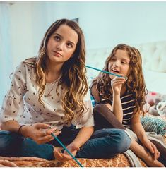 #sisters Julianna Grace Leblanc, Hayley Leblanc, Annie Grace, Annie Lablanc, Sisters Goals, Siblings Goals, Annie Leblanc Outfits, The Perfect Daughter, Bff Poses