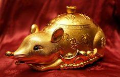 Čínský horoskop na rok 2020 - Co vás čeká v novém roce? - iDNES.cz Drake, Christmas Ornaments, Holiday Decor, Horoscope, Xmas Ornaments, Christmas Jewelry, Christmas Baubles