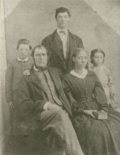 James William Evans his [Free African-American] wife Mary Eliza Hoggard, and their children William, John and Mary Evans. Interracial Marriage, Interracial Love, Black History Facts, Us History, Brave, Black Mother, Civil War Photos, Le Far West, African American History