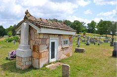 Houses of the Dead: Alabama's grave shelters protect final resting places | AL.com