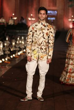 """Wills Lifestyle Grand Finale: Rohit Bal Presents """"Gulbagh"""" Indian Groom Wear, Indian Wear, Wills Lifestyle, Rohit Bal, Wedding Sherwani, India Fashion Week, Best Mens Fashion, Indian Fashion, Men's Fashion"""