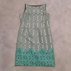 Evan Picone dress sz 12 Beautiful dress in like new condition from a smoke and pet free home, size 12. Colors are much more rich and vibrant than they appear in the photos, but it would not fit on my form to take better photos. Dress has gorgeous blue, green and turquoise throughout, very pretty! Evan Picone Dresses Midi