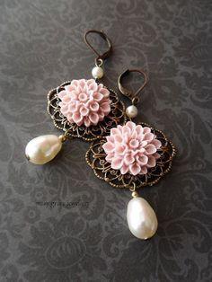 Vintage Pink Flower and Pearl Bridal by marygracejewellery on Etsy, $29.00