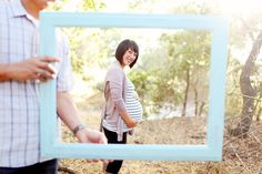 Ooh Im so doing this with Kyle  I and the kids holding the frame soo cute!!