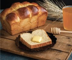 A brioche is a slightly sweet, rich loaf of French origin, traditionally served for breakfast or, with the addition of fruit, for dessert. As with many breads, brioches can be made in an array of shapes and sizes. Pastry Recipes, Dessert Recipes, Desserts, Bread And Pastries, Breads, Brunch, Appetizers, Shapes, Fruit