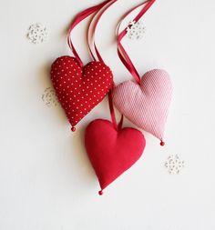Red ringing hearts  w Botanika na DaWanda.com