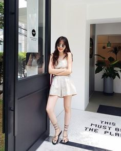 Korean Fashion Trends you can Steal – Designer Fashion Tips Korean Fashion Trends, Korean Street Fashion, Korea Fashion, Asian Fashion, Girl Fashion, Fashion Design, Korean Casual Outfits, Cute Casual Outfits, Girl Outfits