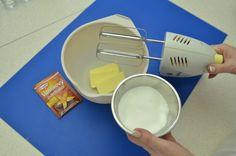 Trubičky s ořechovým krémem: Blaženost už po prvním soustu! – Hobbymanie.tv Soap, Dishes, Tv, Tablewares, Television Set, Bar Soap, Soaps, Dish, Signs