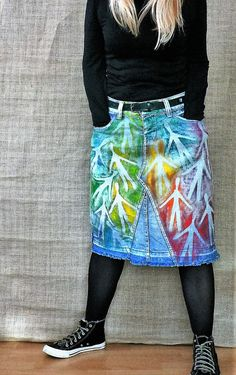 Art painted, hand painted recycled fantasy denim skirt. One of a kind. Length - 22 in/ 56 cm Width waist - 34 in/ 86 cm Width hips - 40 in/ 102 cm Size 40.