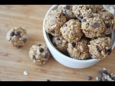 Healthy No-Bake Energy Bites Recipe Divas Can Cook granola bites - Granola Healthy Peanut Butter, Peanut Butter Recipes, Chocolate Peanut Butter, Healthy Baking, Healthy Snacks, Healthy Recipes, Healthy Breakfasts, Protein Snacks, Healthy Dishes