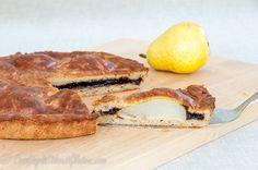 Простое, и быстрое в приготовлении, тесто без глютена и без дрожжей идеально подходит для выпечки закрытых пирогов или тартов с разнообразными начинками. Особенно хороши такие пироги со свежими гру…