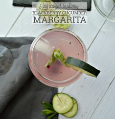 Skinny Blackberry Cucumber Margarita Made With LaCroix Cucumber Margarita, Mint Margarita, Margarita Recipes, Homemade Margaritas, Frozen Margaritas, Easy Summer Cocktails, Refreshing Cocktails, Alcoholic Cocktails, Easy Drink Recipes