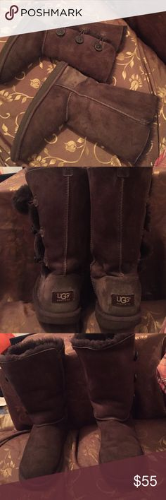 Only $45 if you use offer button 💯% authentic Bailey button , genuine sheepskin UGG' Australia , gently worn , light wear in the far soles far corner , light scuff on the trim fabric ,even that they  still looking perfect and excellent condition no hole ,cut  or tear  , fur thick and fluffy all round inside , extremely warm and comfy , no more cold feet 😂 UGG Shoes Winter & Rain Boots