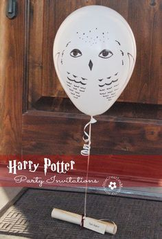Send out owl balloon party invitations.