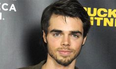 'Modern Family' Actor Reid Ewing  | Instinct
