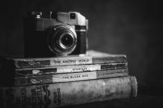 Black & White Photography, vintage books & camera. http://definitelydreaming.com/vintage-books-use/