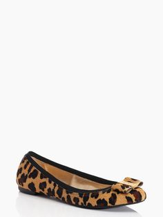 You can never go wrong with a little leopard! These @katespadeny flats are too cute!