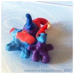 Muovailuvahatontut, 5-vuotiaan tekeminä - Plasticine elves, made by a five-year-old