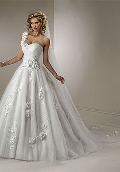 Tulle Ball Gown Natural Waist Floor-Length Sleeveless Wedding Dress With Applique & Flowers picture 1
