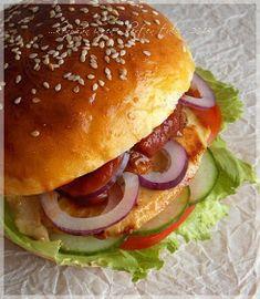 ...konyhán innen - kerten túl...: Hamburger mézes-mustáros csirkével Hot Dogs, Reception, Pizza, Chicken, Ethnic Recipes, Diy, Food, Bricolage, Eten