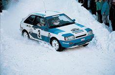 Mazda 323 - Suède 87