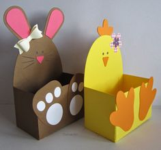 Animal Easter baskets- Animal Easter baskets chickens, bunnies and lamb The cutting files are from the Sil-Store: chick belly box bunny bell … Easter Art, Easter Crafts For Kids, Preschool Crafts, Diy For Kids, Creative Crafts, Diy And Crafts, Paper Crafts, Spring Crafts, Holiday Crafts