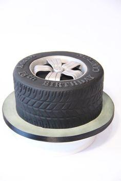 Tire cake - Cake by Cake Addict Reifenkuchen - Kuchen von Cake Addict Beautiful Cakes, Amazing Cakes, Cake Cookies, Cupcake Cakes, Cupcakes, Cakes By Post, Car Cakes For Men, Tire Cake, Wheel Cake