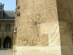 Cadran solaire Musée de Cluny : musée national du  Moyen Âge Paris.  cnes- observatoire.net