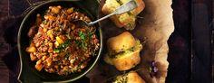 Chili con carne med rotgrønnsaker og hvitløksbrød Beef, God, Chili Con Carne, Meat, Dios, Ox, Ground Beef, Steak, The Lord