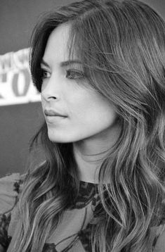 Kristin Kreuk, Smallville, Jennifer Aniston Style, Artists And Models, Canadian Actresses, Celebrity Beauty, Bikini Photos, Famous Women, Celebs