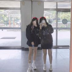 언동중체고👍🏻🏫 #학교 Ulzzang Korean Girl, Cute Korean Girl, Asian Girl, Bff Girls, Cute Girls, Girl Pictures, Girl Photos, Korean Best Friends, School Girl Japan