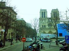 Parvis Notre-Dame, Place Jean-Paul-II, Paris.
