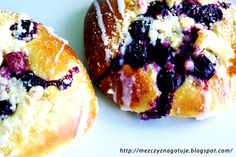 Drożdżówki z wiśniami Doughnut, Muffin, Breakfast, Desserts, Food, Morning Coffee, Tailgate Desserts, Deserts, Essen