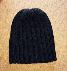 Μαύρο χειροποίητο πλεχτό μάλλινο σκουφάκι / Black handmade knitted woolen hat