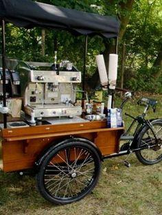 Amesone bike/coffee trailer --would be a cool Farmers Market cafe idea Coffee Van, Bike Coffee, Coffee Mugs, Coffee Food Truck, Mobile Coffee Shop, Bike Food, Coffee Trailer, Mobile Cafe, Mobile Food Trucks