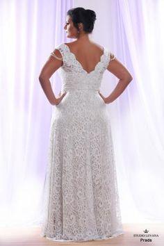 Plus size wedding gown White collection Prada (3)