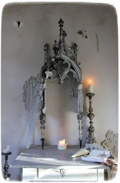 Méas Vintage Meas Vintage, Toy Theatre, Shabby, Advent Calenders, Small Sculptures, Interior Inspiration, Artsy, Chandelier, Miniatures