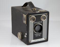 Resultado de imagem para Kodak Nº 1 Box Brownie