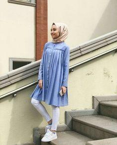 Splendid Hijab Ideas For Working Hijab Chic, Modest Fashion Hijab, Modern Hijab Fashion, Street Hijab Fashion, Hijab Fashion Inspiration, Muslim Fashion, Modest Outfits, Fashion Outfits, Mode Abaya